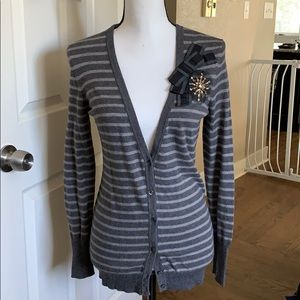 Loft cardigan with broach detail